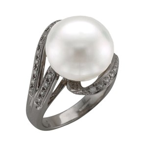 Beards South Sea Pearl & 18ct White Gold Ring