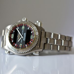 Pre-Owned Breitling Emergency E56121